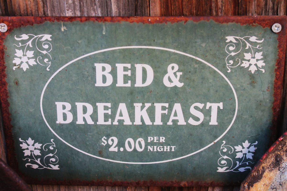 niente  bed & breakfast se il regolamento vieta attività commerciali