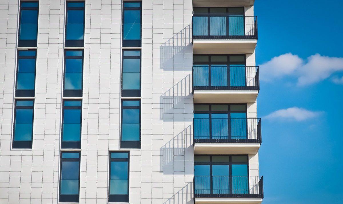 balconi ed estetica dell'edificio: i singoli non possono alterarla