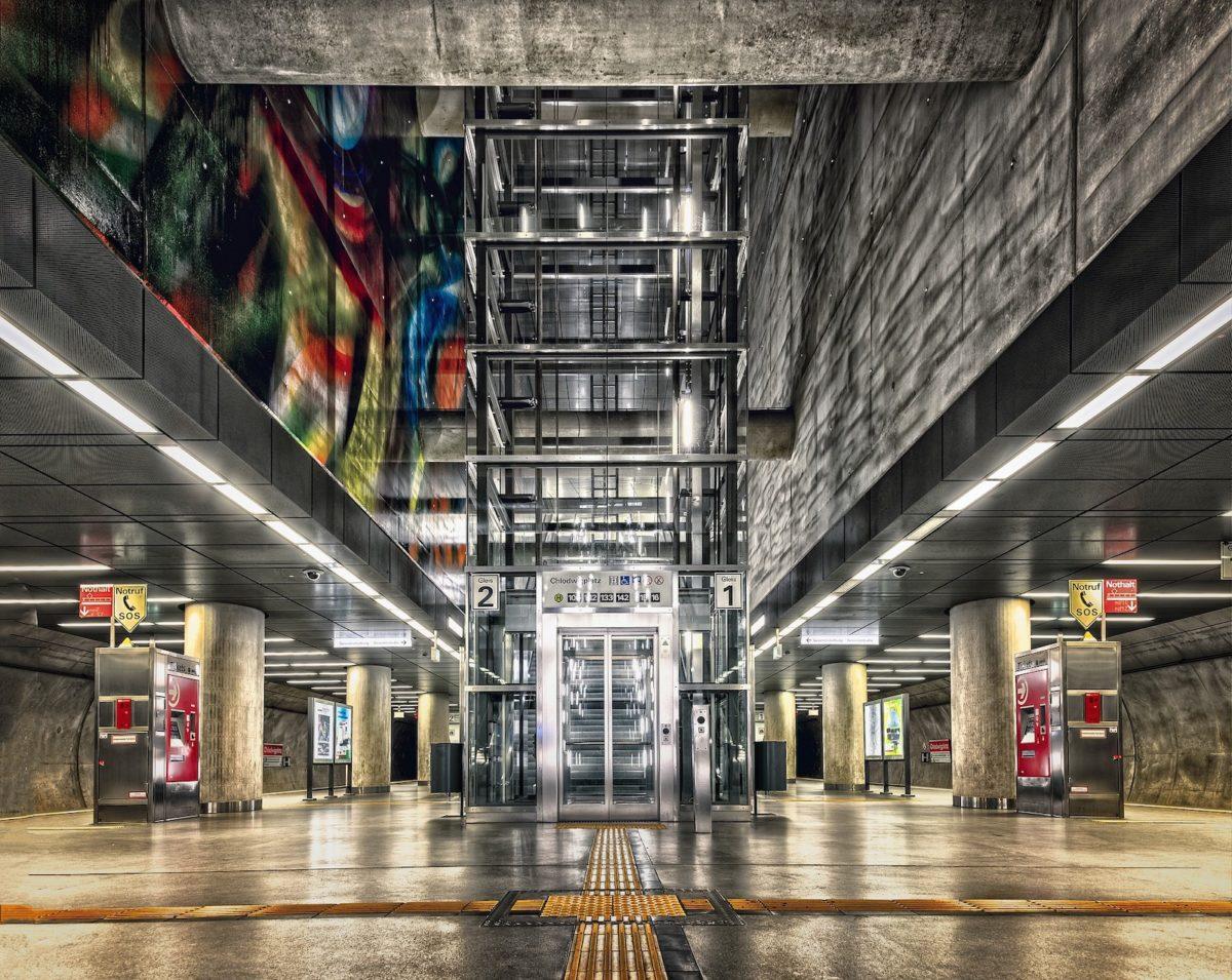 l'ascensore installato successivamente sfugge alla presunzione di condominialità ex art 1117 c.c.