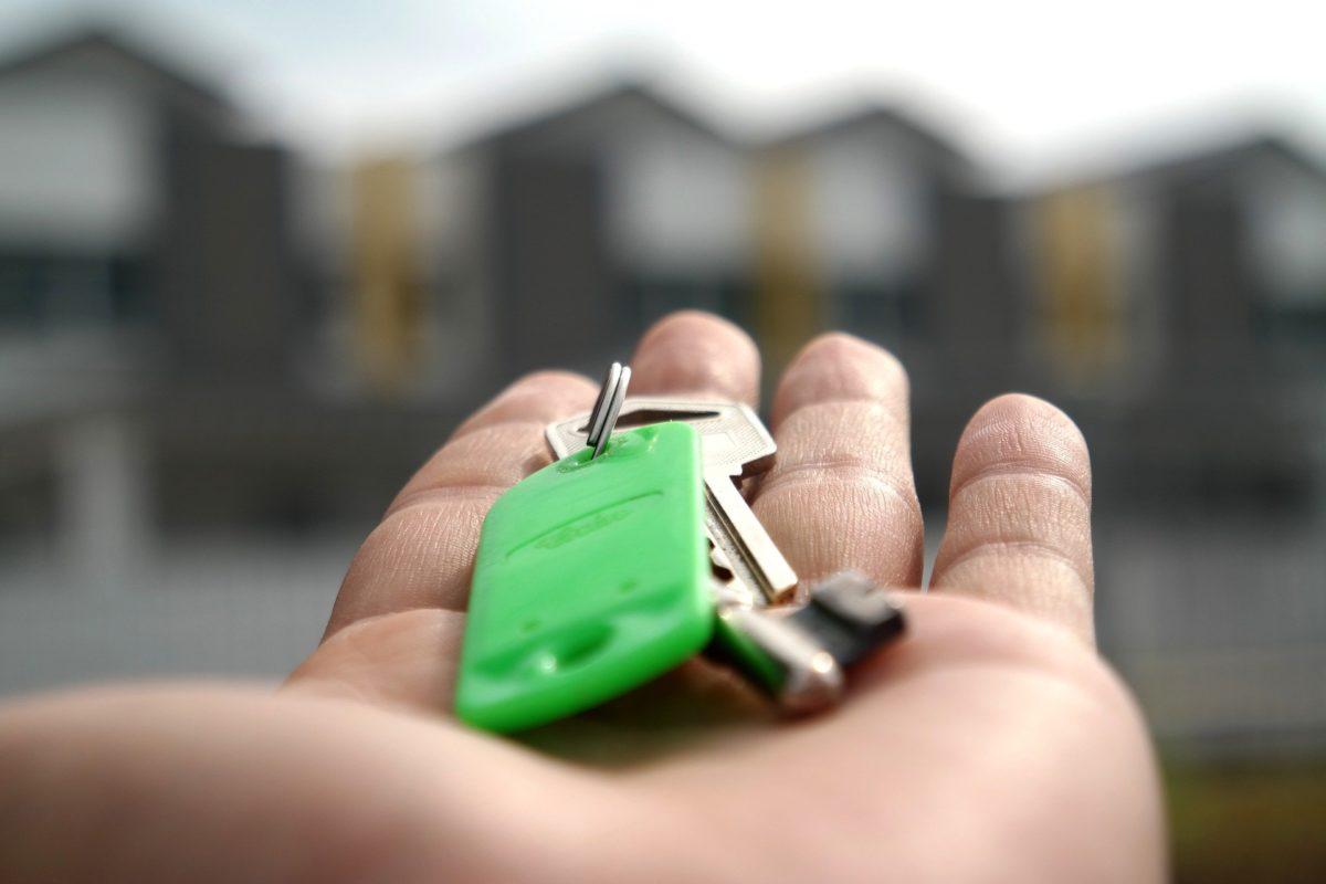 spese straordinarie e vendita immobiliare dell'unità in condominio, chi paga?