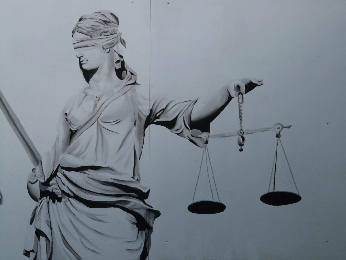 le sezioni unite statuiscono su opposizione a decreto ingiuntivo e nullità/annullabilità  della delibera condominiale